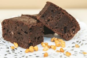 A few pieces of brownies with lentils in them